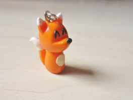Happy fox pendant by GingerwithHat