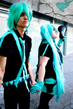 Miku and Mikuo - Love is war by Lerdoloids