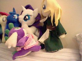 STAY AWAY FROM MY RARITY!!! by Browntown747