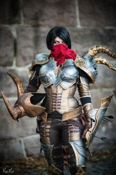 Demon Hunter Cosplay by ChrixDesign