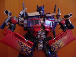 Striker Optimus Prime Close by Blitzwing83