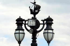 Street Lamp by RoyalScanners