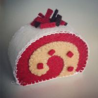 Christmas Peppermint Swiss Roll by bibiluv