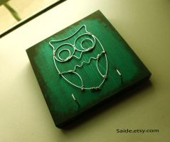 Green and Black Wire OWL by ArtbySaide
