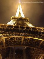 Eiffel Tower by YazMelius