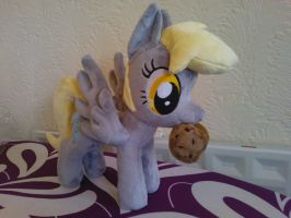 Derpy Plushie with muffin! by Jillah92
