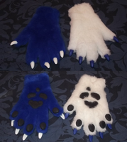Kit Blu Handpaws by Monoyasha