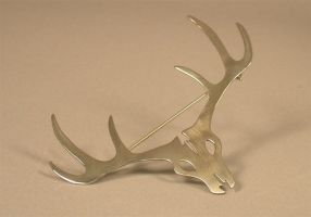 Stag Skull Brooch by bionic-dingo