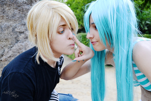 Vocaloid - Nose by AidaOtaku