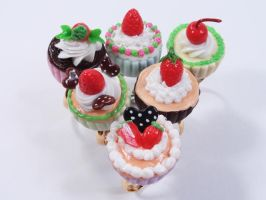 Mini Cupcake Fruit Ring by SweetandCo