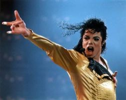Micheal Jackson KING OF POP. by screamobaby