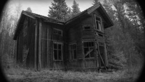 Abandoned House by MHelenelund