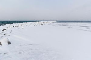 Snowy Breakwall by el-mateo