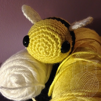 New Bumble Bee by theyarnbunny