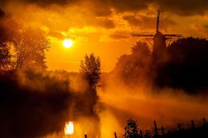 Goodmorning Misty Mill by Betuwefotograaf