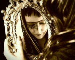 Mirror mirror... by AvaHtH
