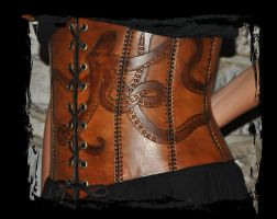 leather octopus corset closeup by Lagueuse