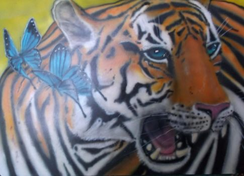Airbrush tiger 57 with butterflies by hofku43