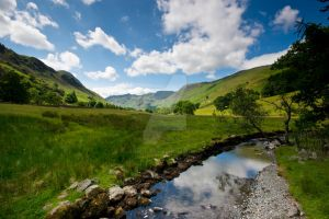 Lakeland Valley by GaryTaffinder
