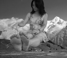 Giantess Tourist by GiantDreamer