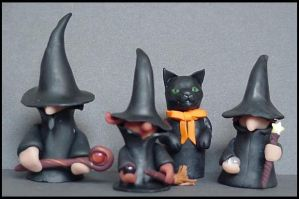 Witch's Coven Finger Puppets by Ranasp