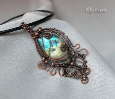 Wire wrapped pendant with blue Labradorite stone by artual