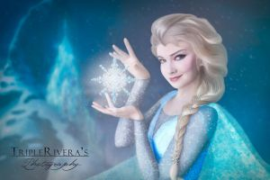 Elsa from the movie frozen by triplerivera