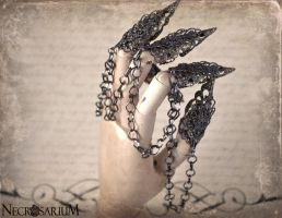 Chained Gunmetal Claw Rings by Necrosarium