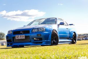 Nissan Skyline R34 GTR by small-sk8er