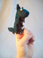 Ralph the Finger Puppet by shiyonin