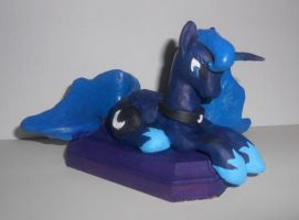 Luna Sculpture by Sophillia