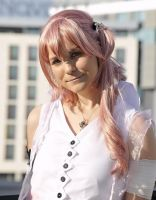 Serah by Leonie-Heartilly