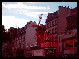 The Moulin Rouge by Foto-Tour