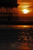 Structure of North Pier at Sun by seasidephil