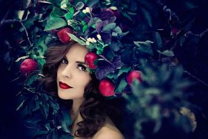 LUCIA IN THE APPLE TREE by simsalabima