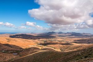In the mountains of Fuerteventura by attomanen