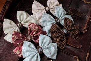 Small Picture Bow Hairclips by ImperialFiddlesticks
