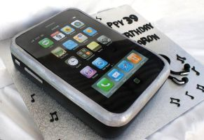 Iphone Cake by Verusca