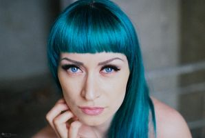 Blue hair by EL3-Imagery