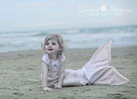Albino Mermaid by LockedIllusions