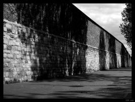 Bercy - The Wall by clairwitch