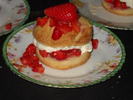 Strawberry Shortcakes - Closeup by Bisected8