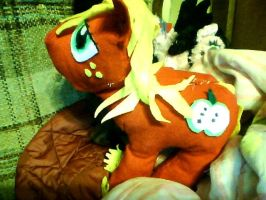 Big Machintosh Plushie by mistresscarrie