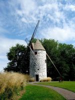 Moulin a vent de Pointe-aux-Trembles (summer) by Lapointe56