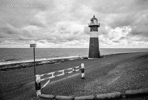 A grey day by TLO-Photography