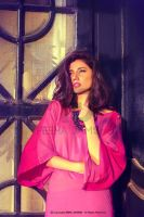 Mahira-Khan-wearing-color-blocked-Mid-Maxi-Shirt-1 by 24xentertainment