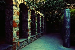 facing the arches by sanwahi