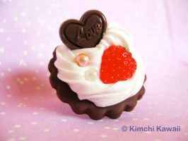 Chocolate Strawberry Ring by FrostedFleurdeLis
