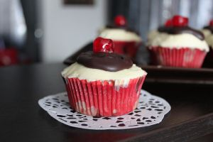 Red Velvet Cupcakes by kupenska