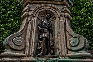 Marlowe statue 2 by forgottenson1